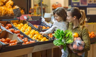 How to grocery shop with a toddler